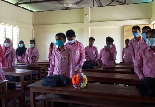 কমলগঞ্জে শিক্ষার্থীদের পদচারণায় প্রাণ ফিরে পেল শিক্ষাপ্রতিষ্ঠান